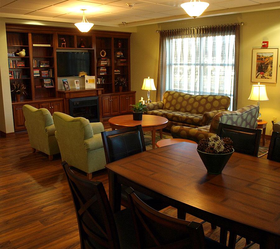Dawson Inn Living Room family room